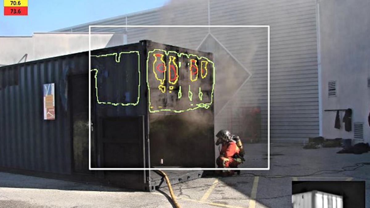 Utilisation d'un casque HoloLens par les pompiers pour les assister dans leurs missions grâce à Azure Remote Rendering